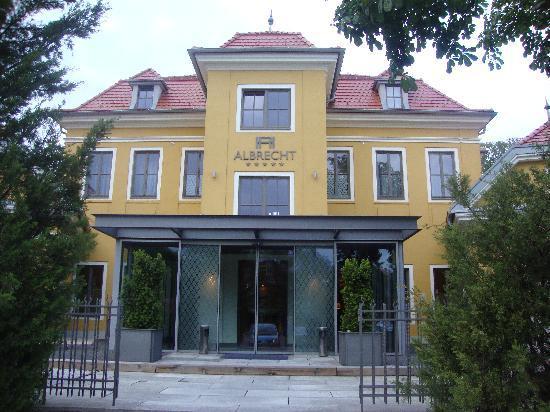 2-hotel-albrecht-ba.jpg